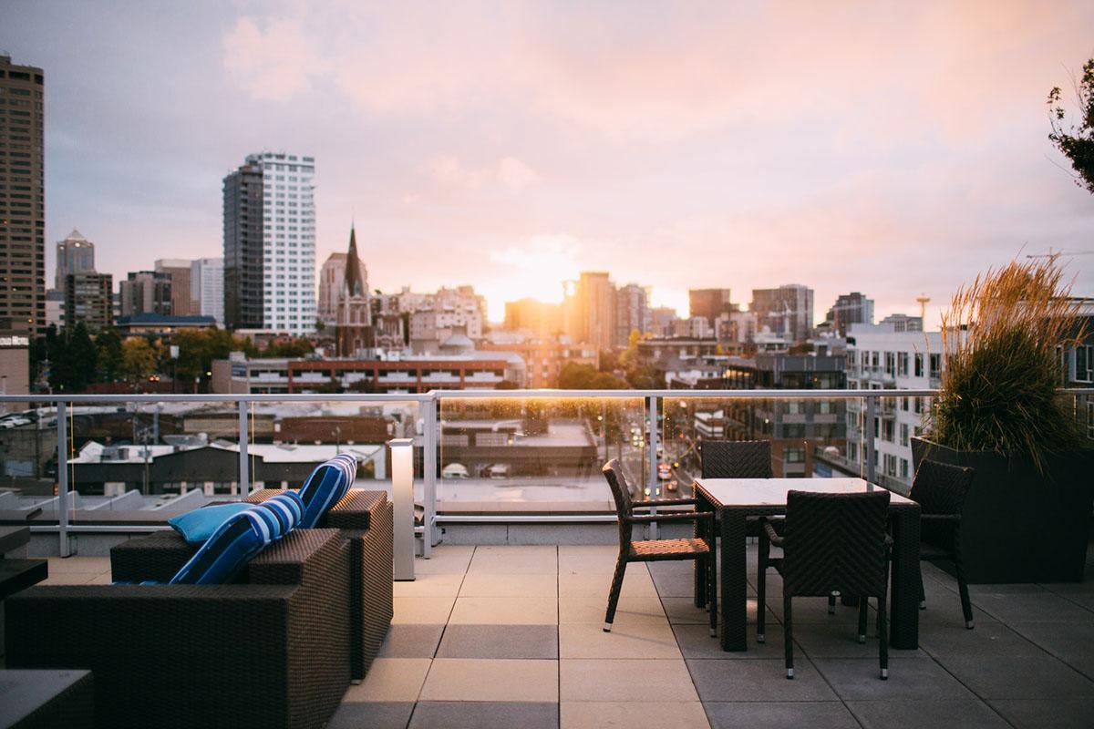 В плену иллюзий: как люди пытаются сами продать дорогую загородную недвижимость и что из этого выходит